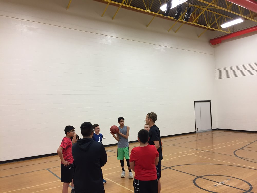 Our first round of Junior Hoopers in 2017, small group of U13 athletes that had a great time thanks to the FunTEAM Alberta program!
