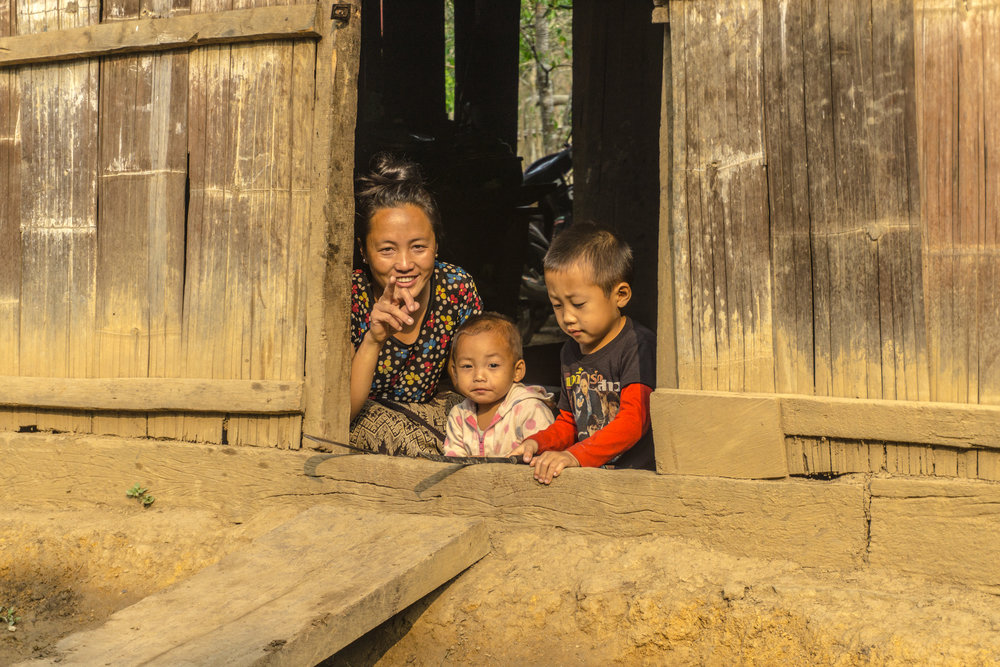 Hmong mother and her kids