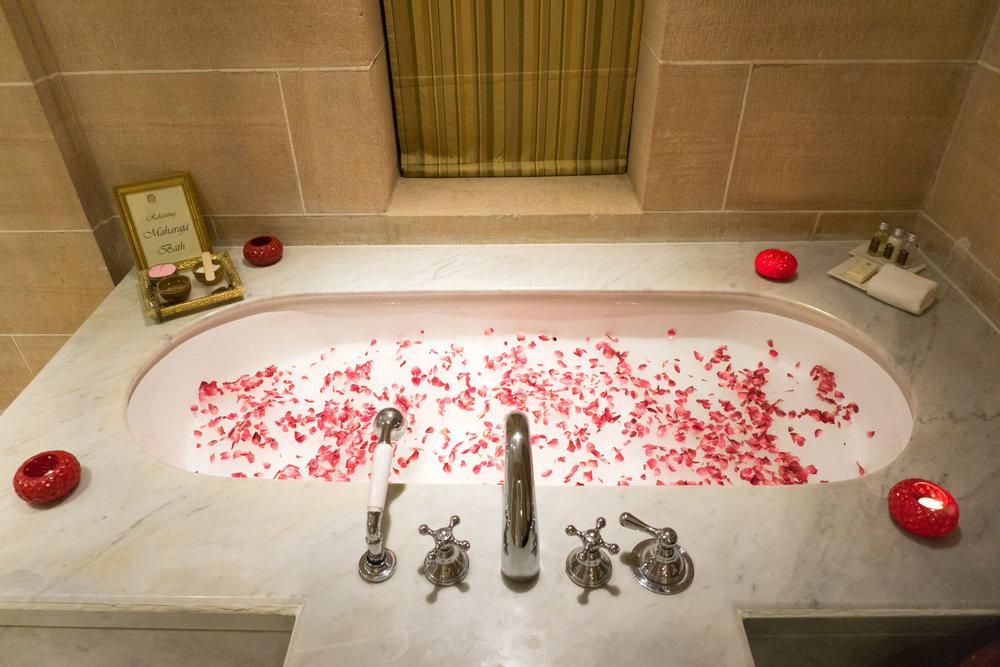 Turndown service - rose petals in the tub