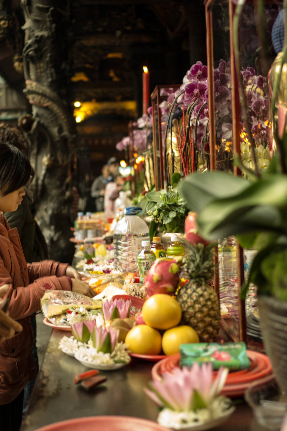 Offerings at Lungshan Temple