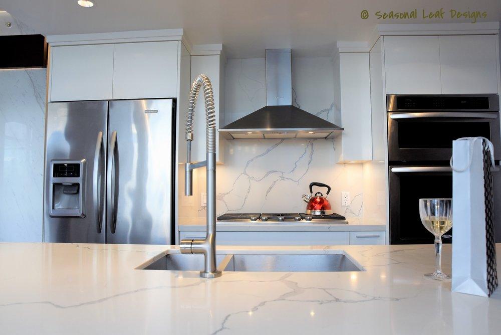 Statuary Qartz Kitchen SLD11.JPG