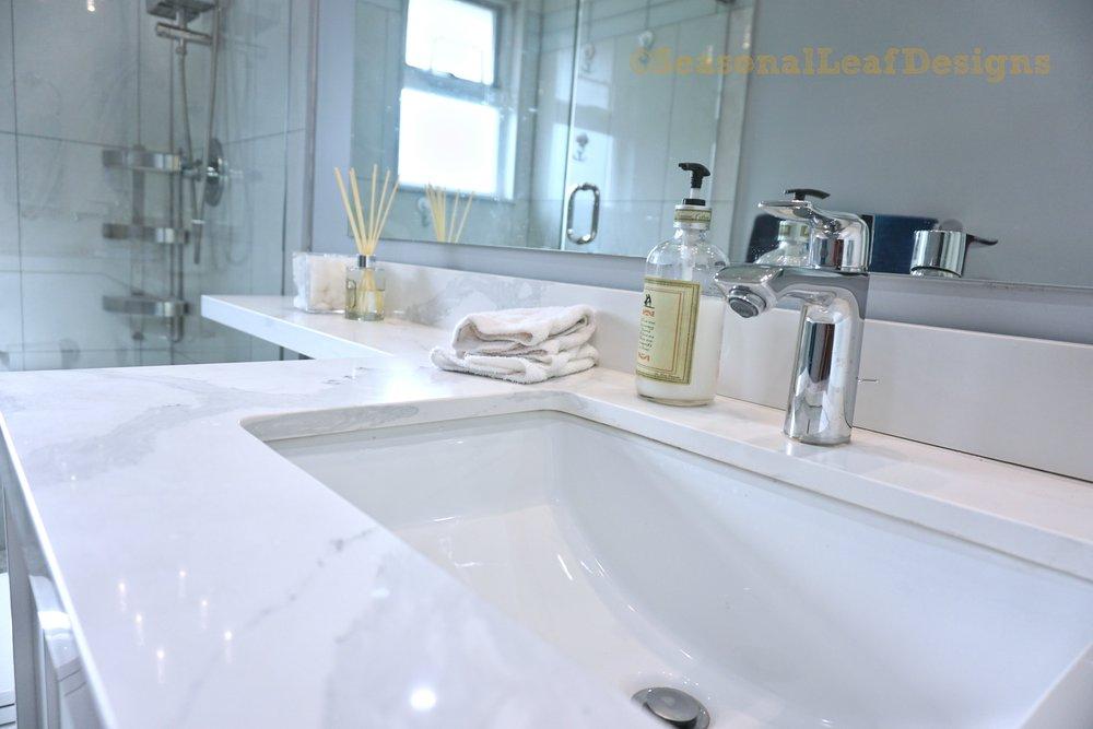 Hall Bath4_.jpg
