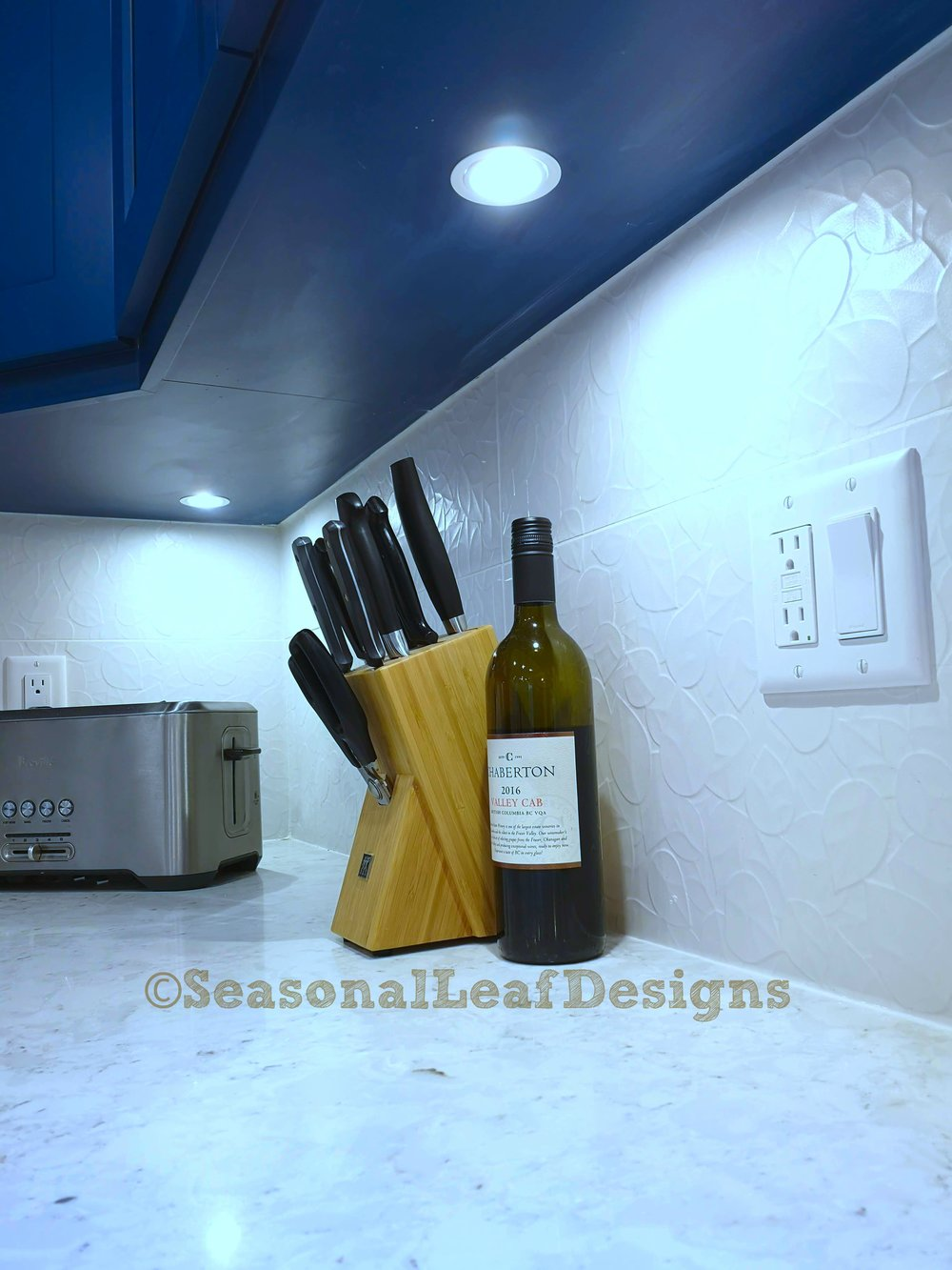 Kitchen Design Tile Backsplash Puck light