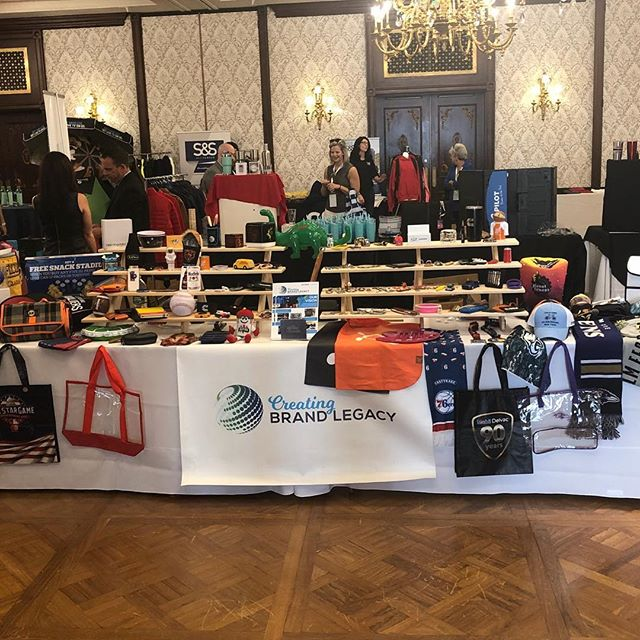 Our team attended a successful trade show last week and look at how great our table was! Packed with all different kinds of products 👏🏼 #cbl #cblworld #cblworldwide #cblmedals #promotionalproducts #customproducts #tradeshow #tradeshowbooth