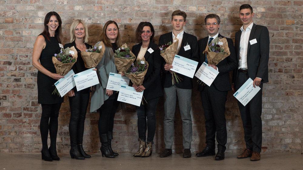 Årets stipendiater från vänster:   Maria Krafft Helgesson, Christina Ahlström, Julia Schröder, Lotta Lindsten, Melvin Wallin, Stefan Malmberg och Niklas Lindström.
