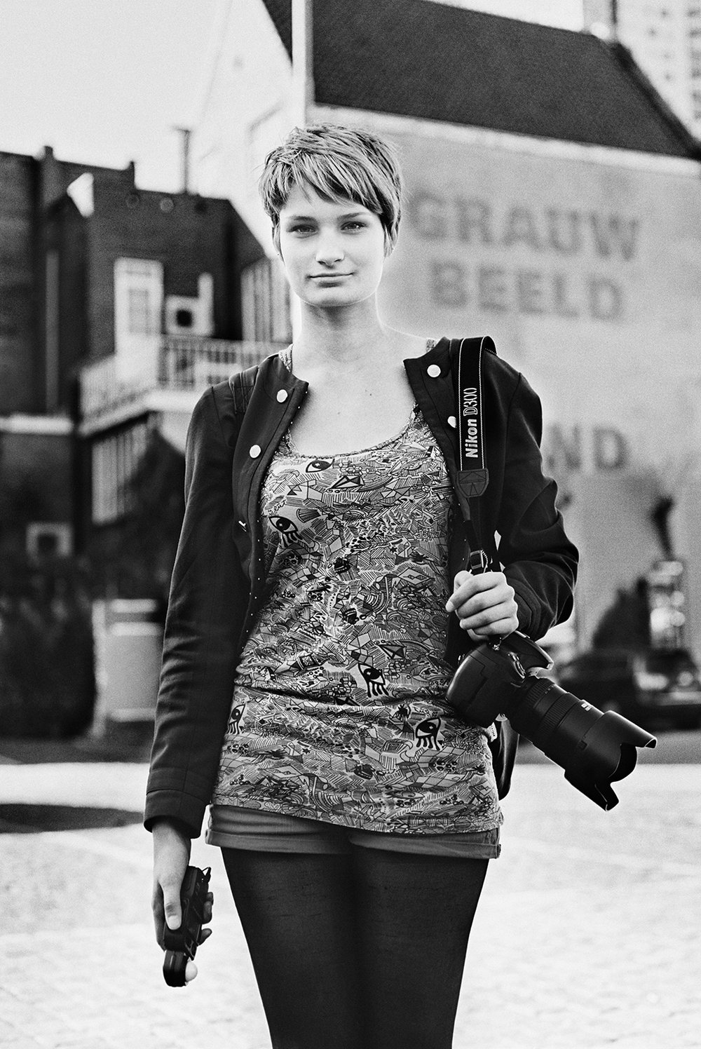 Iris // Student photography On her very first workday as my intern, she borrowed my bike to get to the train station faster. It took her about an hour to get there. The fact that I live a maximum of 5 minutes away from that station gave her a cute clumsiness. She still rocked that internship though. I just made sure to go easy on the navigation tasks. 9/10