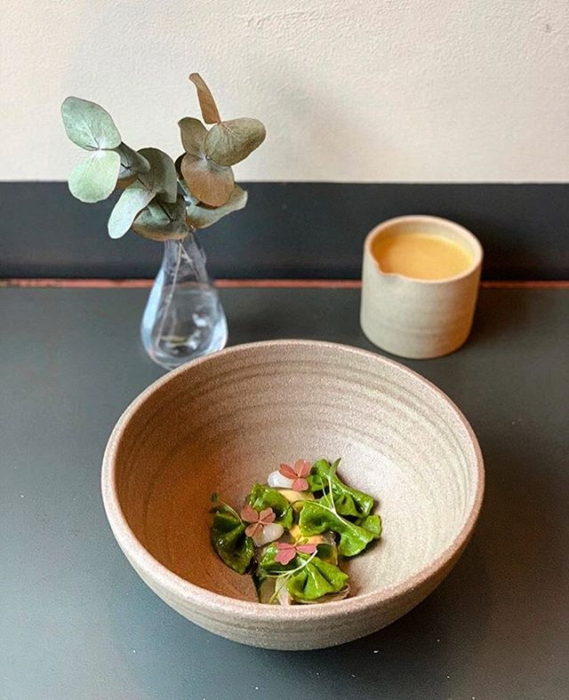 Have you had a chance to check out the outstanding @pidginlondon? Their four-course menu changes weekly using the finest sourced ingredients! ✨