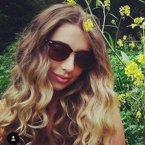 Like if you love being in nature with your sunglasses on 😎❤️