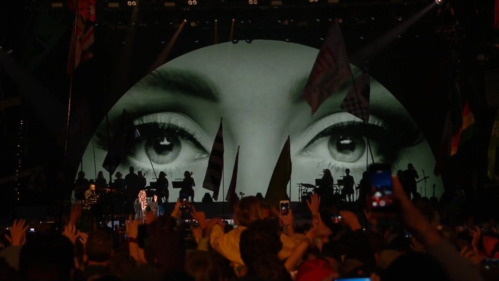 Adele • Glastonbury 2016