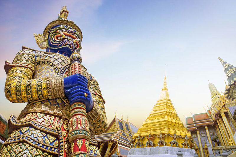 THA_Bangkok-Wat-Phra-Kaeo-©-Adobe-Stock.jpg