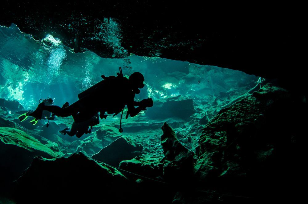 MEX_Cenotes-UW-Cave-Dive-©-Adobe-Stock.png