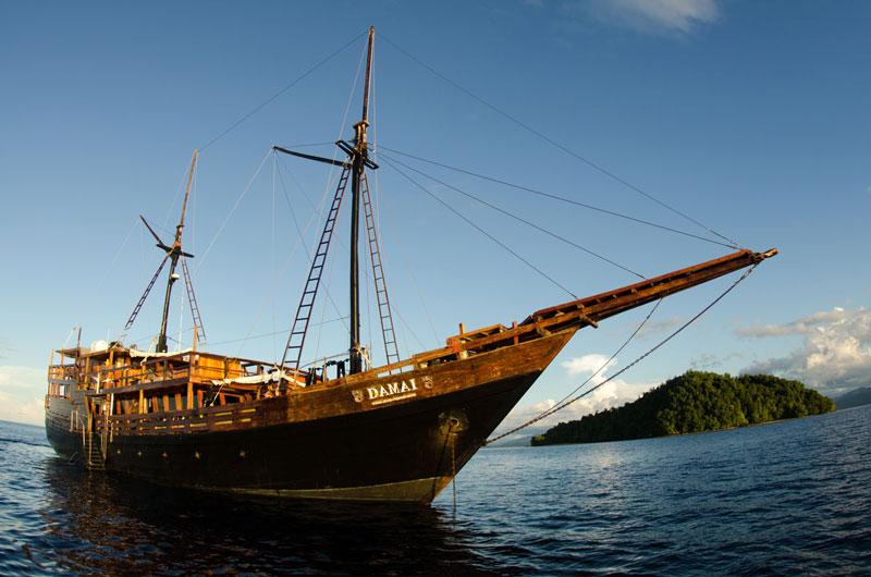 IDN_MY-Damai-1-Ship-©-Dive-Damai-009.jpg