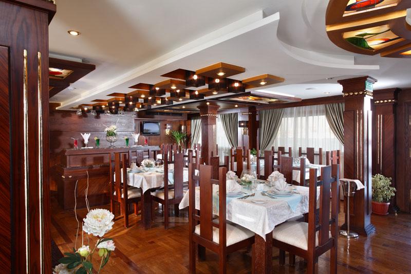 EGY_Merit-Dahabiya-Dining-©-Rhianna-Dahabiya.jpg