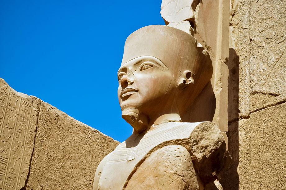 EGY_Luxor-Statue-Amun-Re-©-AdobeStock_29711328.jpg