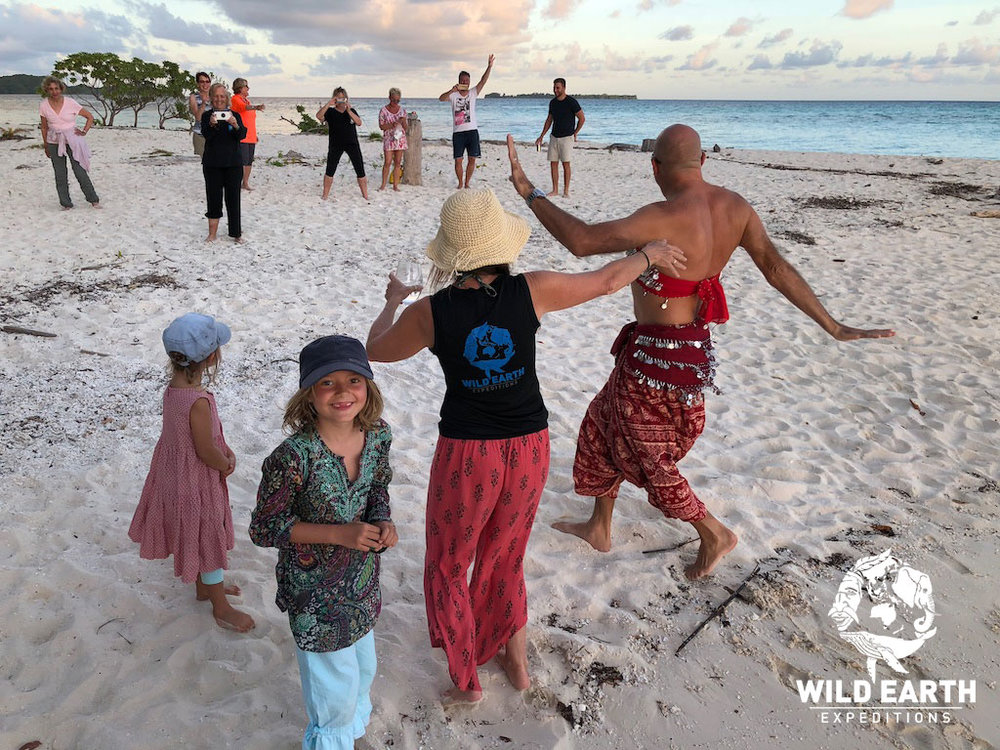 Beach party - Palau - Wild Earth Expeditions