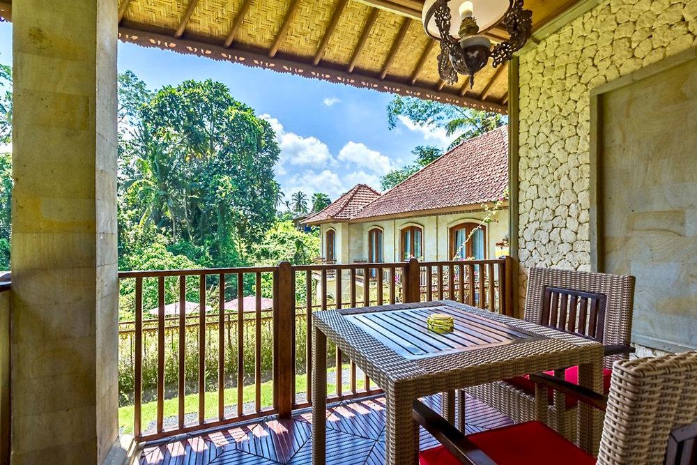 IDN_Hotel-Villa-Ubud-Deluxe-Balcony-©-Hotel-Villa-Ubud.jpg