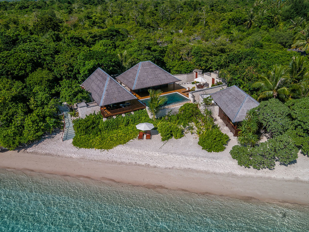 IDN_Wakatobi-Resort-Reef-Villa-One-©-Wakatobi-Resort.jpg