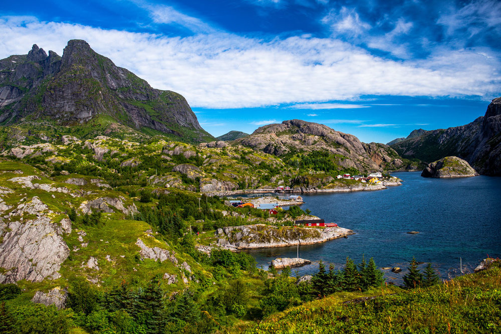 NOR_Lofoten Islands-Hiking Nusfjordon © Adobe Stock 119484818.jpg