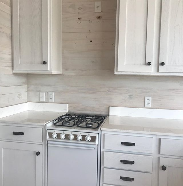 What a cute little kitchen in this #tinyhome !