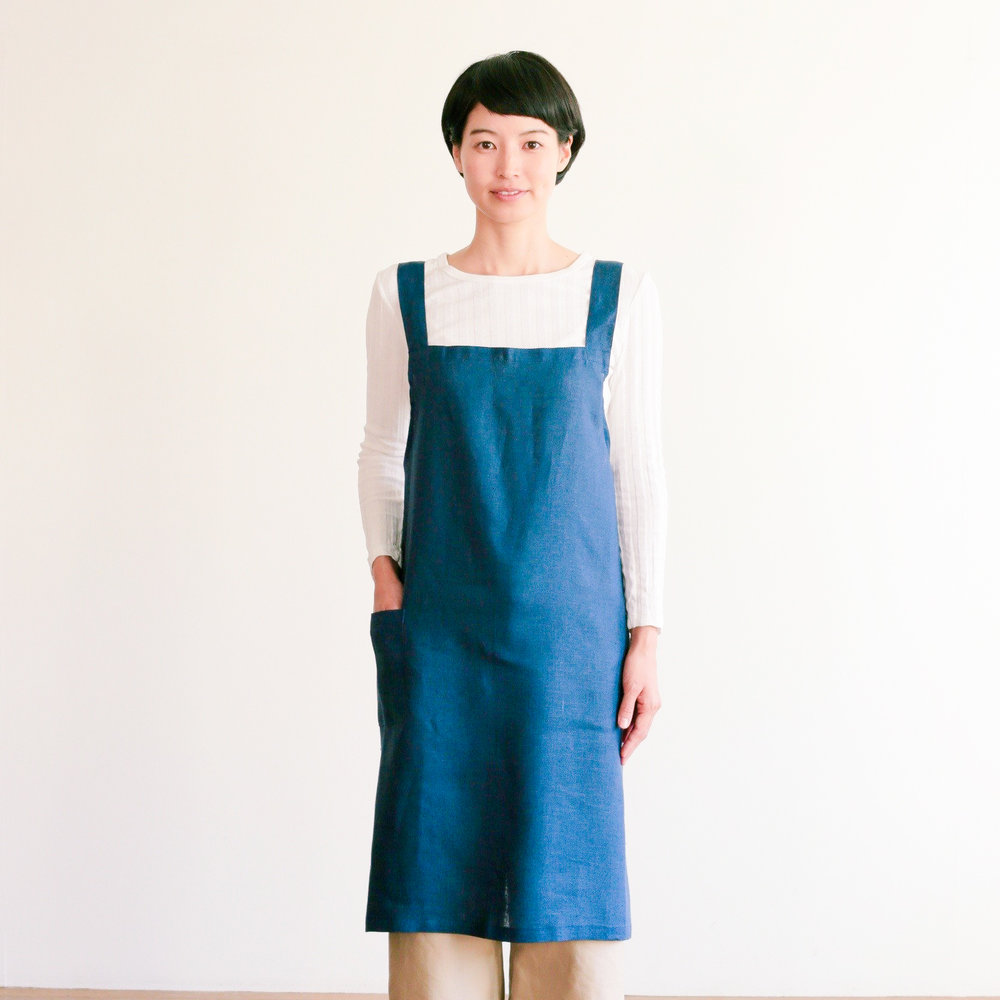 Cross-over linen apron - CHF69.00