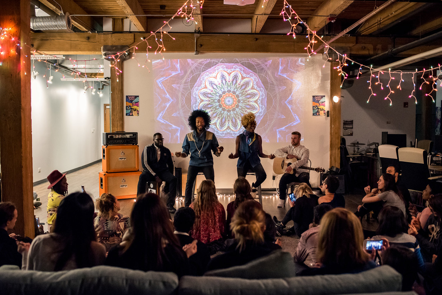 Raii and Whitney at Sofar Chicago, photo by Jonathan Feng