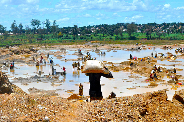 Congolese mine workers wash copper ore. Globally the extractive industry has one of the most lax tax regimes. Source: Flickr Creative Commons via  Fairphone .