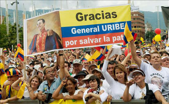 Rally of ex President Uribe supporters. Photo by: Globovisión.