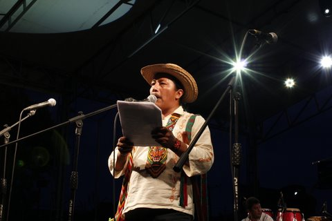 Feliciano Valencia, representative of the Regional Indigenous Council of Cauca (CRIC, in Spanish), speaks at the National Meeting of peasant, Afro-descendant, and Indigenous Communities for the Earth and Peace in Colombia. Photo by: Prensa Rural.