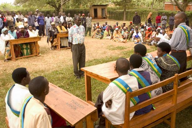 Gacaca court in Rwanda. Photo by: Elisa Finocchiaro