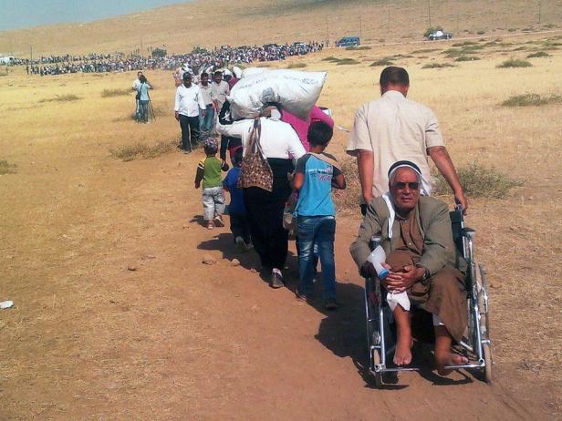 Syrian refugees flee to Turkey. Photo credit: EC/ECHO