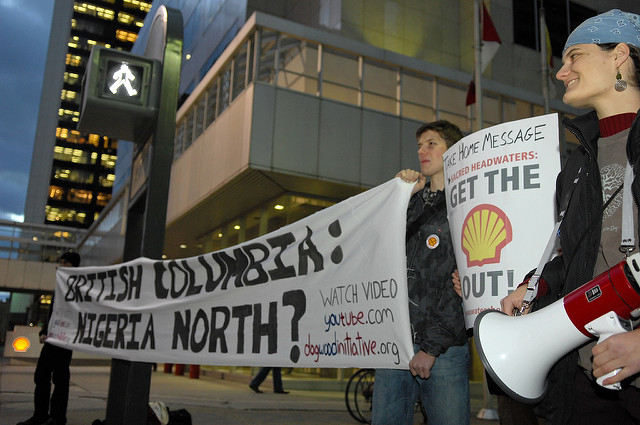 A group of protesters gathered outside Royal Dutch Shell's Canadian headquarters in Calgary, Alberta. Photo by: ItzAFineDay Flckr user