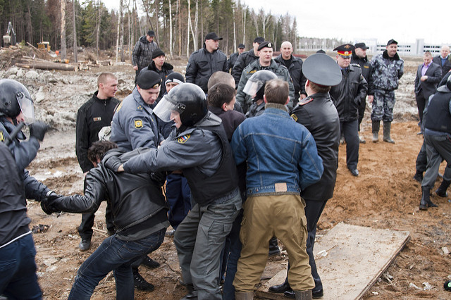 Russian police arrests a group of activists in Moscow. Photo by:  Daniel Beilinson