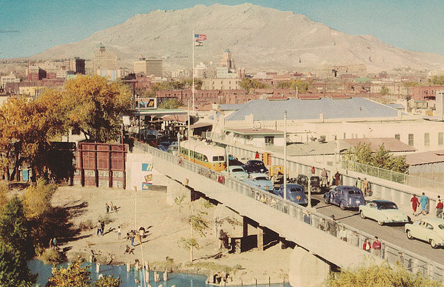Juarez and El Paso. Photo by  Sam Sam on Flckr Commons.