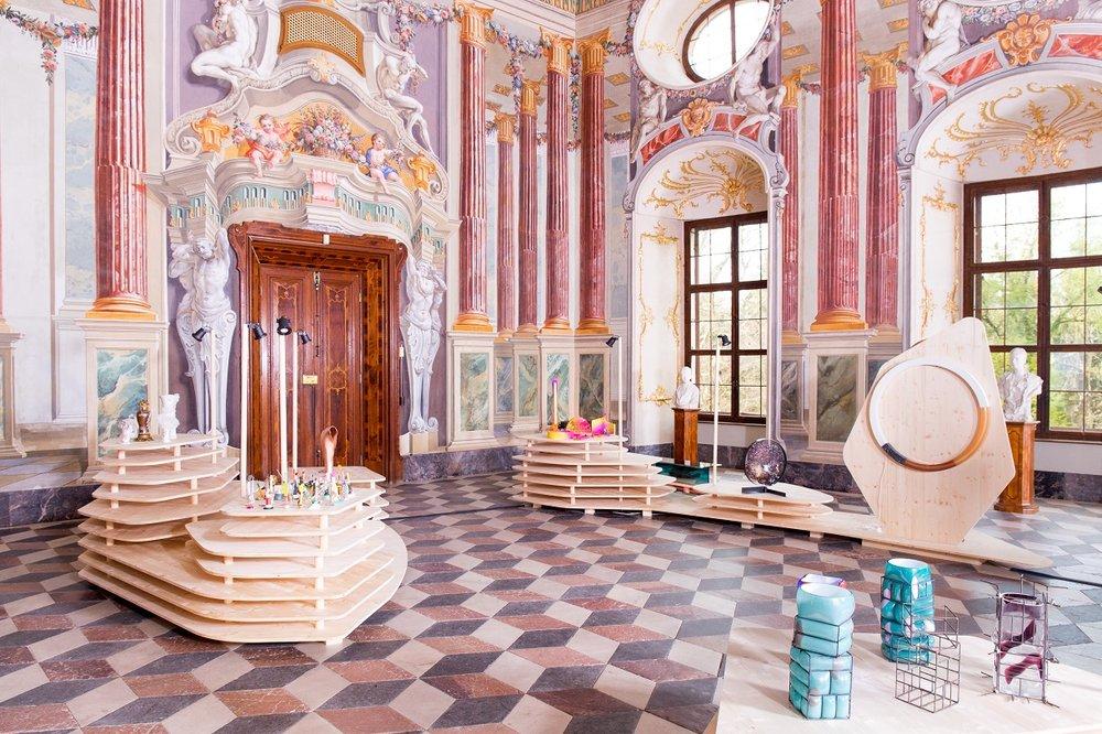 L'allestimento di una sala del castello. Photo Federico Floriani