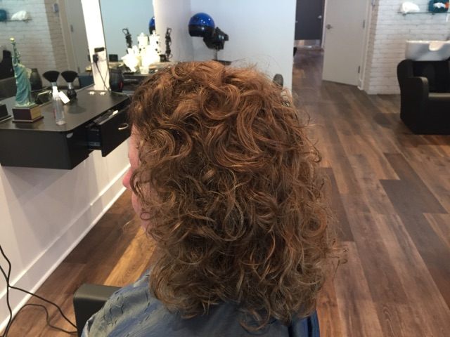 Highlights, color & haircut (natural beautiful curls)
