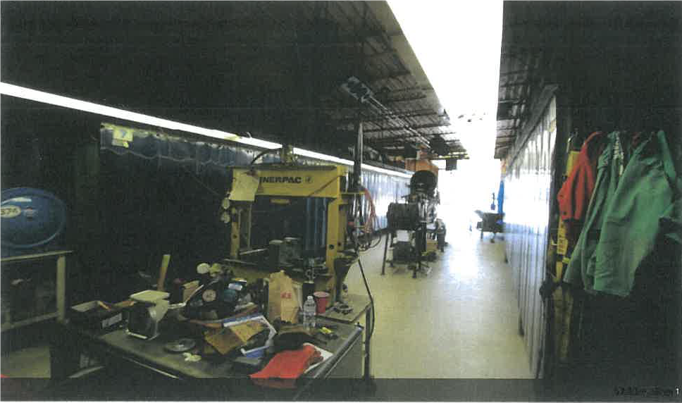 Shop Space - Overhead Door w/ Office Space 4200 Sq Ft