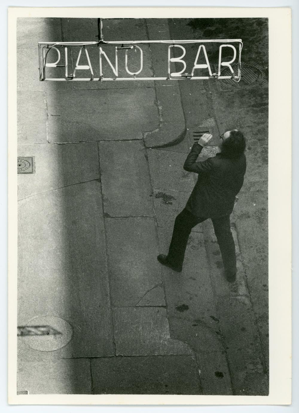 30-F003-Chiari-Piano-Bar.jpg