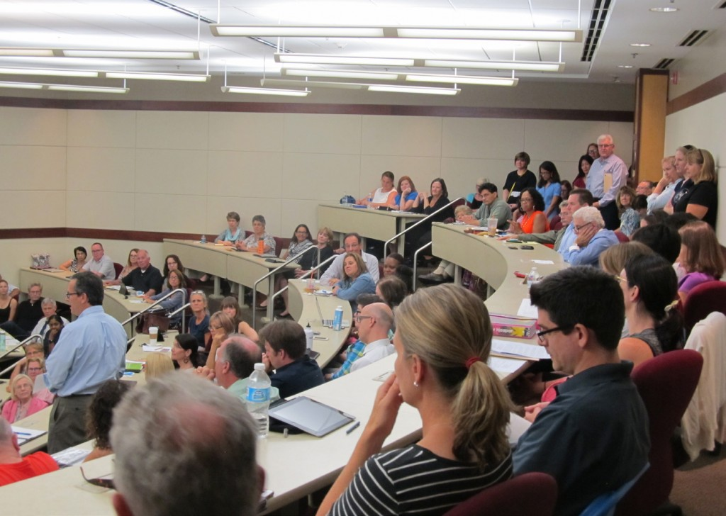 Elmhurst College faculty meets for their first monthly faculty meeting of the academic year on Sept. 9. (Photo by Kirsten Tendall)