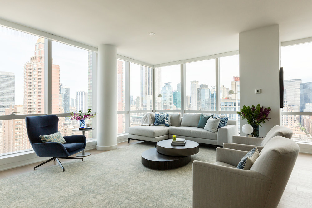 It's all about the views in this Park Ave apartment.