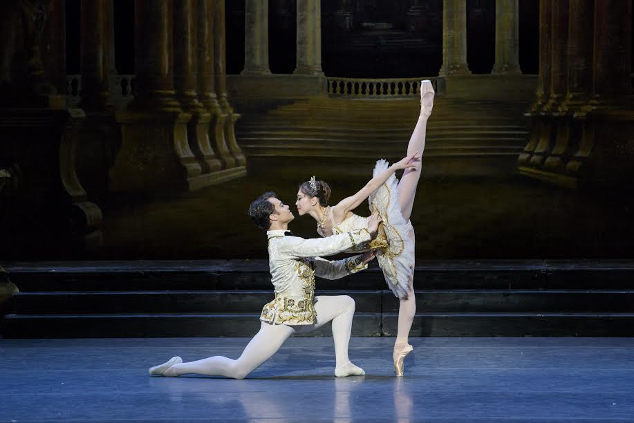 Paulo Arrais and Misa Kuranaga in Marius Petipa's The Sleeping Beauty; photo by Liza Voll, courtesy Boston Ballet