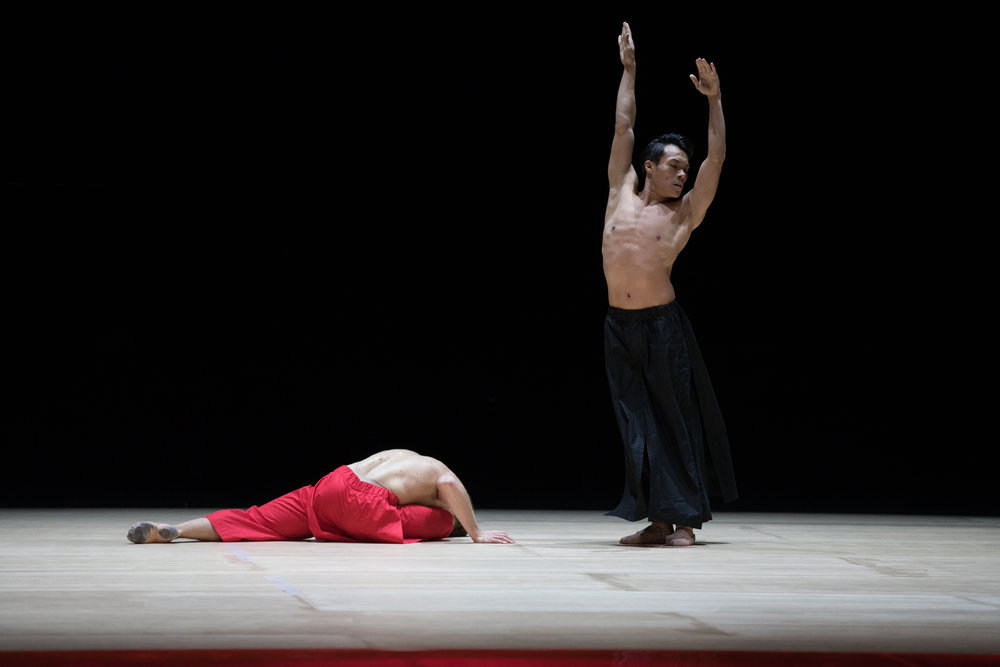 Derek Dunn and John Lam in Wayne McGregor's Obsidian Tear; photo by Rosalie O'Connor, courtesy Boston Ballet