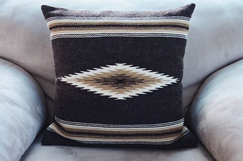 Jennette's Weavings - Handwoven blankets in various colors and sizes2264 State Rd. 76, Ojo Sarco | 505.689.2307jennettesweavings@hotmail.com