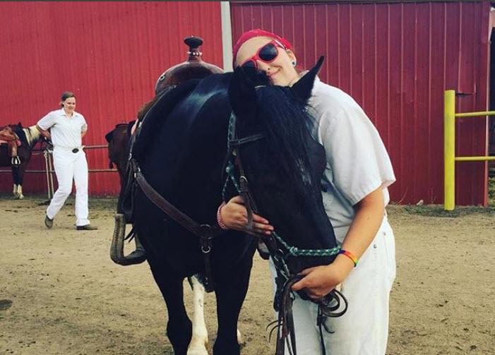 Brutus Westernaires Horse hug.jpg