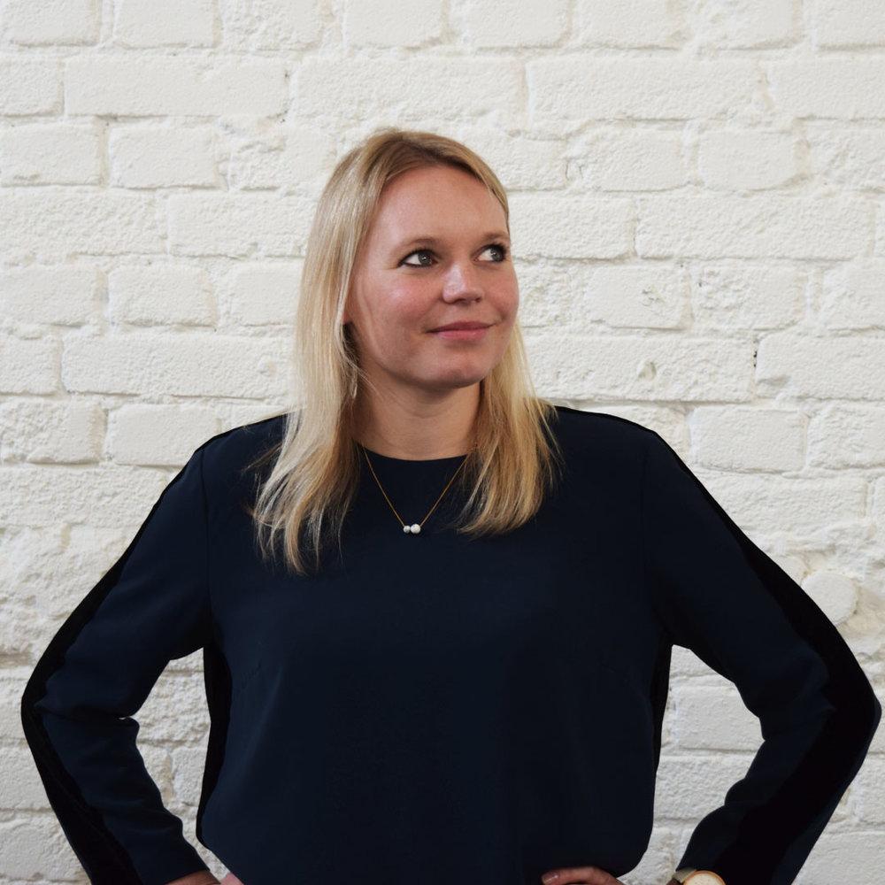 Lenneke Briët:<br>(Customer journey specialist,<br>creatieve contentcreatie)