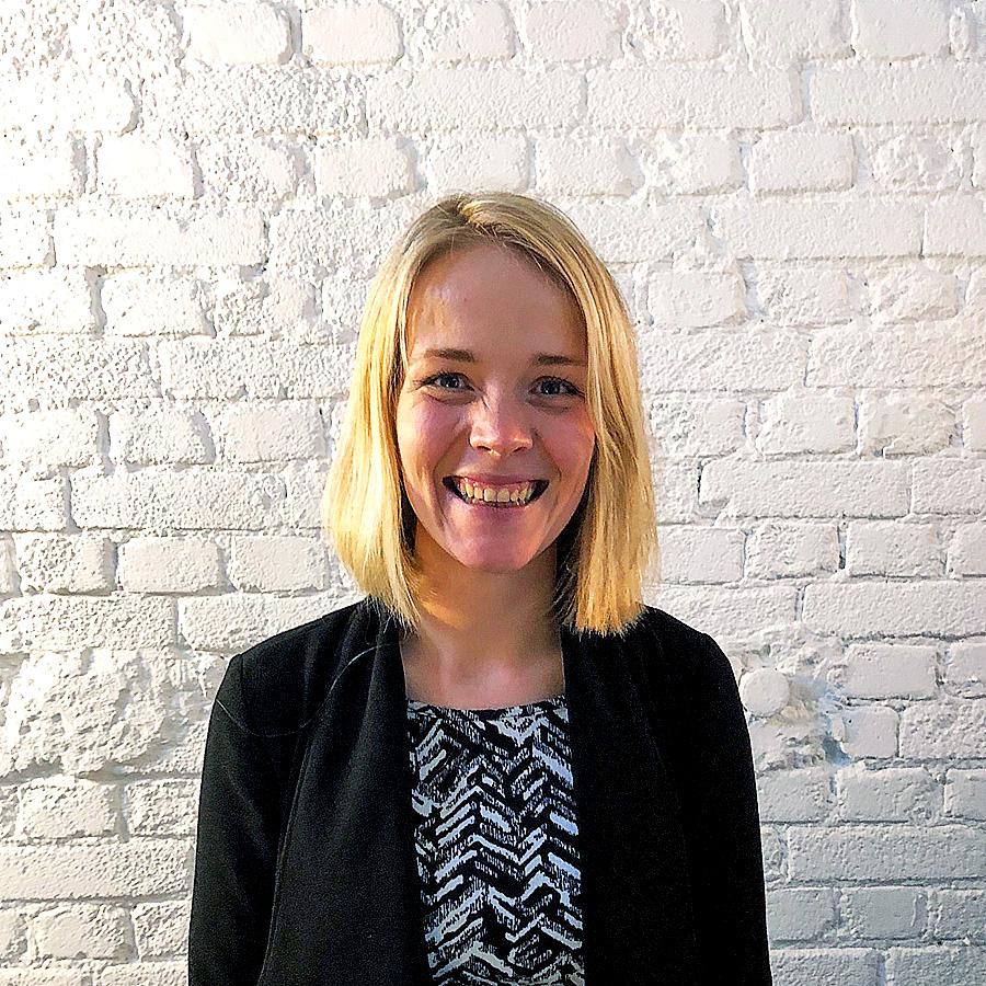 Wendy de Boer:<br>(Digital marketing consultant,<br>Crowd funding specialist)