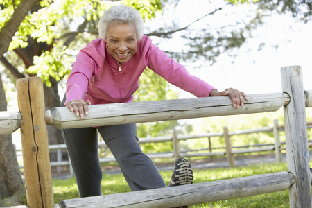 42109761_S_african_american_senior_stretching_sneaker_ .jpg