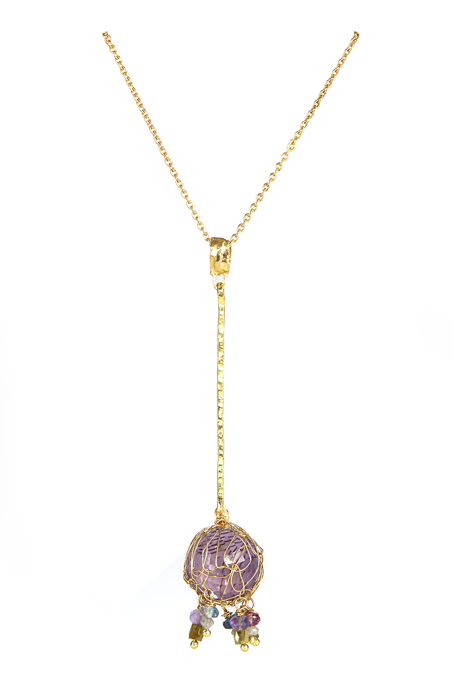 gold necklace and coloured pendent