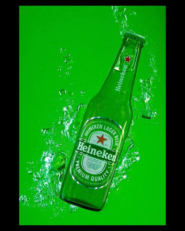 We have been testing some new creative concepts at the studio using @heineken lager. #lager #heineken #advertising #advertisingagency #advertisingphotography #advertistingconcept #productphotography #waterphotography #flarestudio #photooftheday #brighton #london #nyc #studiophotography #creativephotography #green #bubbles #studioforhire #photographystudio