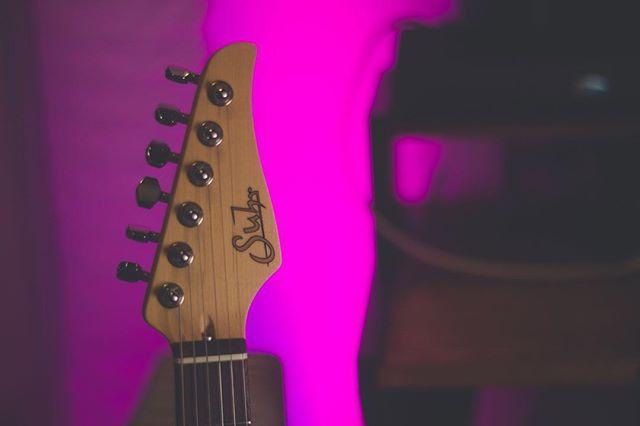 Hey @suhrcustom, I like you guys ☺️❤️🙏 #suhr #suhrguitars #suhrcustom #suhrclassicpro #guitar #guitarist #guitarsofinstagram #guitarsdaily #guitarporn #guitarra #guitarplayer #guitarplayers #musician #geartalk #musicians #musicianlife #guitarworld #guitardaily #yeg #yegmusic #canadianguitars #musicislife
