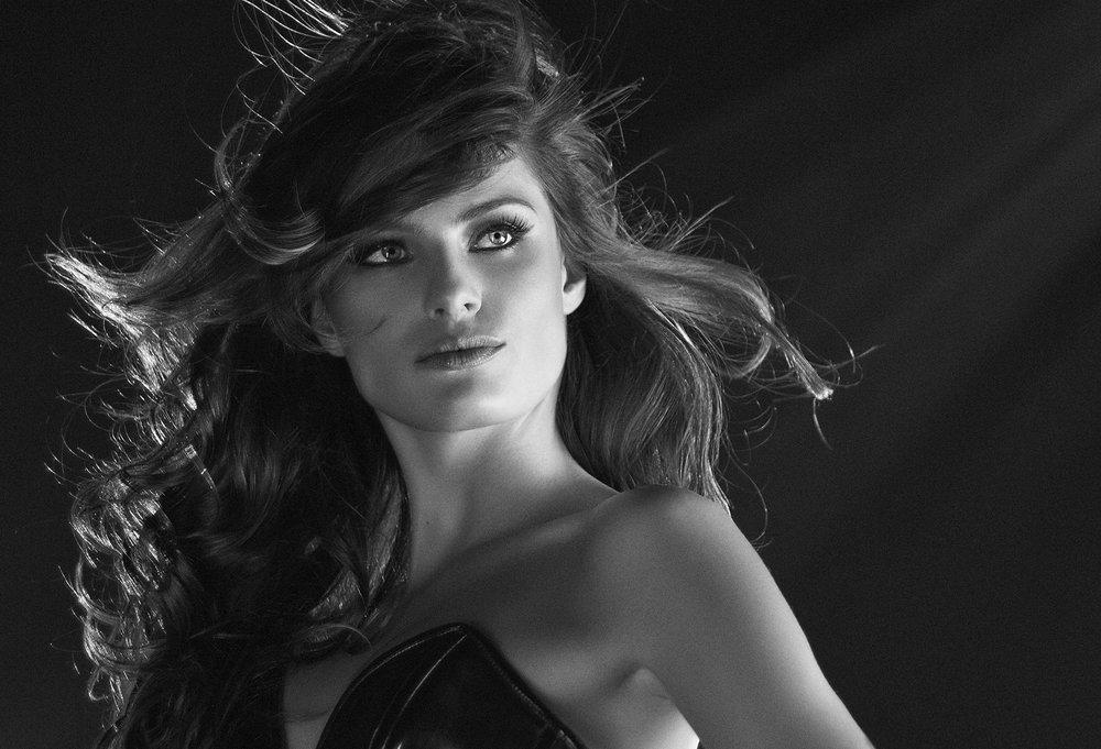 Isabeli Fontana - DFT.jpg